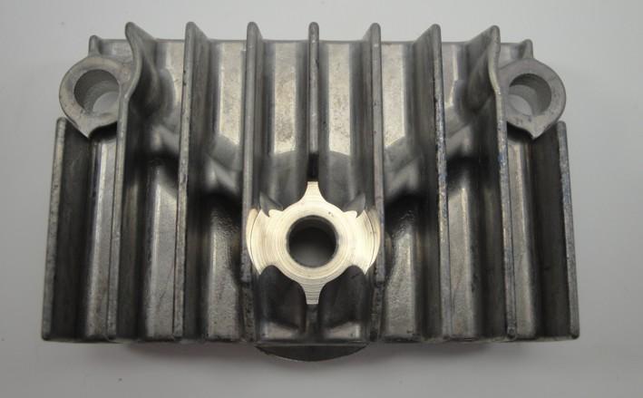 Afbeelding van Cilinderkop deksel Dax, C50 NT rechts